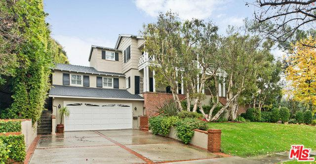 560 Warner Avenue, Los Angeles (City), CA 90024 (MLS #19423696) :: The Sandi Phillips Team