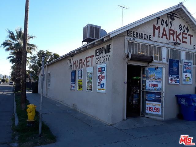 1001 W 7th Street, San Bernardino (City), CA 92411 (MLS #19423732) :: The Jelmberg Team