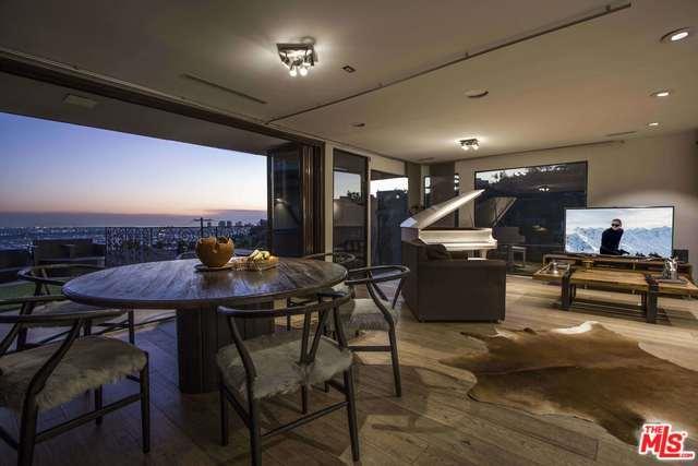 1590 Sunset Plaza Drive, Los Angeles (City), CA 90069 (MLS #19423852) :: The John Jay Group - Bennion Deville Homes