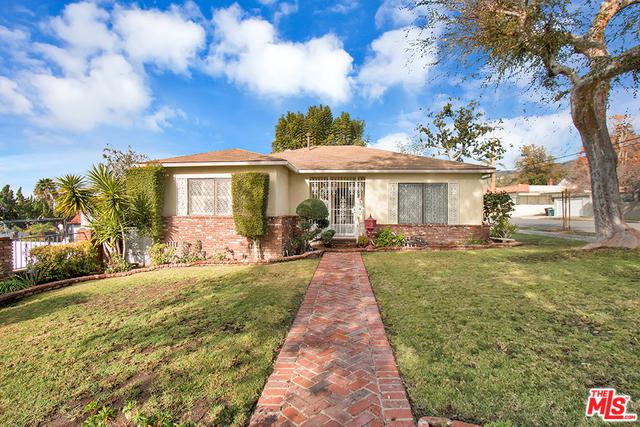 739 E Fairmount Road, Burbank, CA 91501 (MLS #19423868) :: The Jelmberg Team