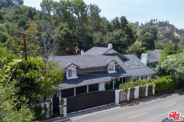 2572 Hutton Drive, Beverly Hills, CA 90210 (MLS #19423952) :: Deirdre Coit and Associates