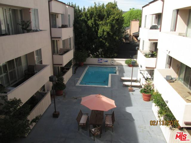 725 S Barrington Avenue #307, Los Angeles (City), CA 90049 (MLS #19424060) :: The John Jay Group - Bennion Deville Homes