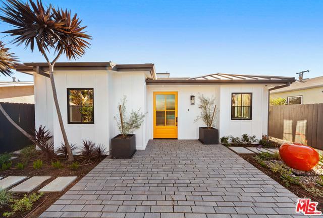 736 Sunset Avenue, Venice, CA 90291 (MLS #19424080) :: The John Jay Group - Bennion Deville Homes