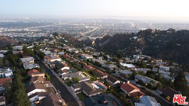 2433 Venus Drive, Los Angeles (City), CA 90046 (MLS #19424130) :: The Sandi Phillips Team