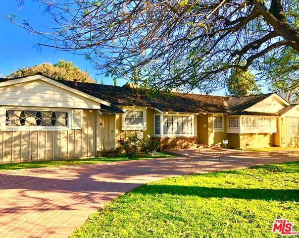 8546 Hatillo Avenue, Winnetka, CA 91306 (MLS #19424574) :: The John Jay Group - Bennion Deville Homes