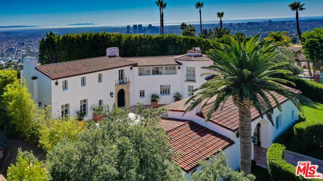 9240 Robin Drive Drive, Los Angeles (City), CA 90069 (MLS #19424580) :: The John Jay Group - Bennion Deville Homes