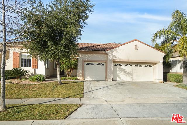 1687 Golden Way, Beaumont, CA 92223 (MLS #19424652) :: The John Jay Group - Bennion Deville Homes