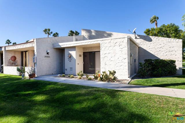 2544 N Whitewater Club Drive C, Palm Springs, CA 92262 (MLS #19424800PS) :: Deirdre Coit and Associates