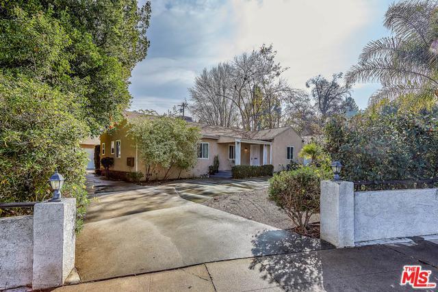 5318 Alhama Drive, Woodland Hills, CA 91364 (MLS #19424808) :: The Sandi Phillips Team