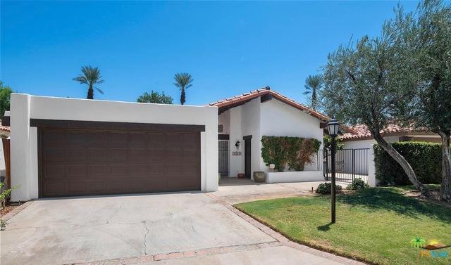 49614 Avila Drive, La Quinta, CA 92253 (MLS #19424842PS) :: The John Jay Group - Bennion Deville Homes