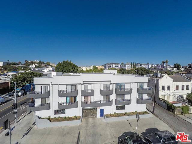 3426 W 1st Street, Los Angeles (City), CA 90004 (MLS #19425240) :: The Sandi Phillips Team