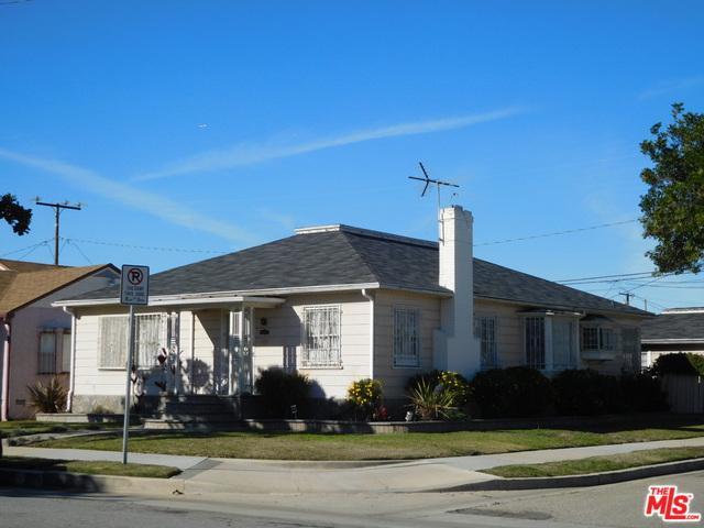 2901 W 82nd Street, Inglewood, CA 90305 (MLS #19425242) :: The Jelmberg Team