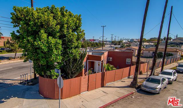 4717 Lomita Street, Los Angeles (City), CA 90019 (MLS #19425280) :: The Jelmberg Team