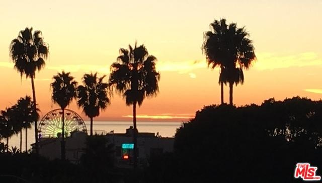 1705 Ocean #208, Santa Monica, CA 90401 (MLS #19425464) :: The Sandi Phillips Team