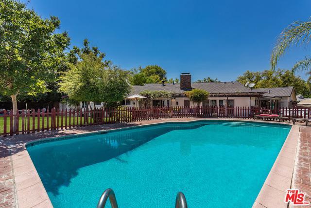 7800 Texhoma Avenue, Northridge, CA 91325 (MLS #19425546) :: The Sandi Phillips Team