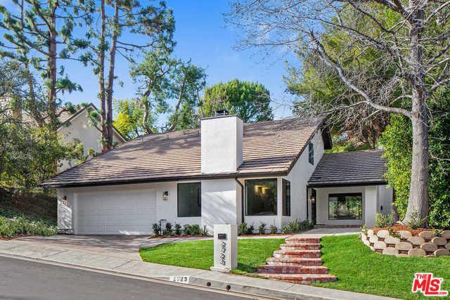 2723 Basil Lane, Los Angeles (City), CA 90077 (MLS #19425752) :: The Jelmberg Team