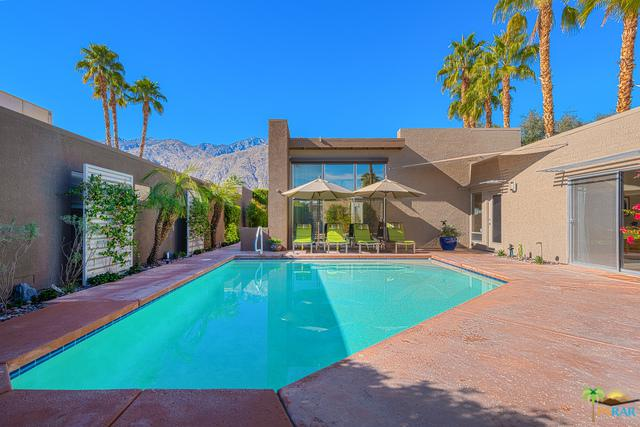 663 Dunes Court, Palm Springs, CA 92264 (MLS #19425910PS) :: Brad Schmett Real Estate Group