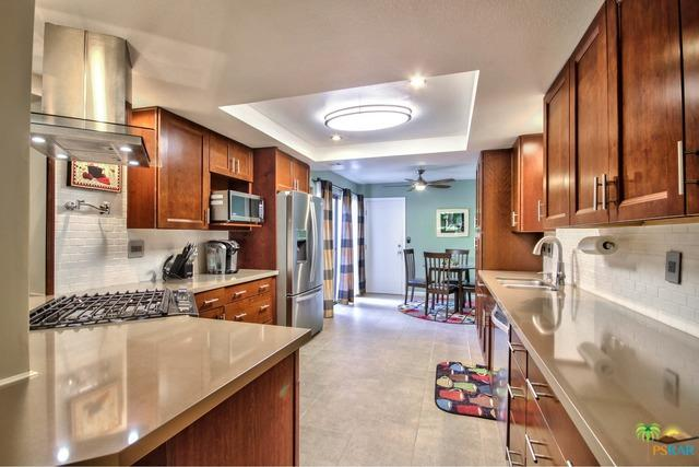 422 N Calle El Segundo, Palm Springs, CA 92262 (MLS #19426688PS) :: Brad Schmett Real Estate Group