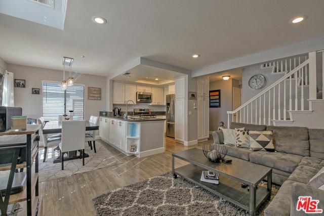 543 Victoria Street N, Costa Mesa, CA 92627 (MLS #19429388) :: Deirdre Coit and Associates