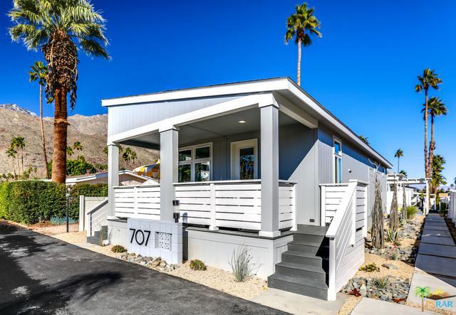 905 Oahu Lane, Palm Springs, CA 92264 (MLS #19429804PS) :: The Jelmberg Team