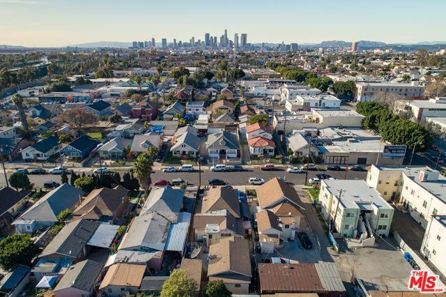 918 S Dacotah Street, Los Angeles (City), CA 90023 (MLS #19430050) :: Hacienda Group Inc