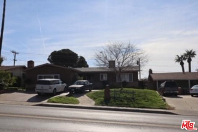 2109 University Ave, Bakersfield, CA 93305 (MLS #19430174) :: The Jelmberg Team