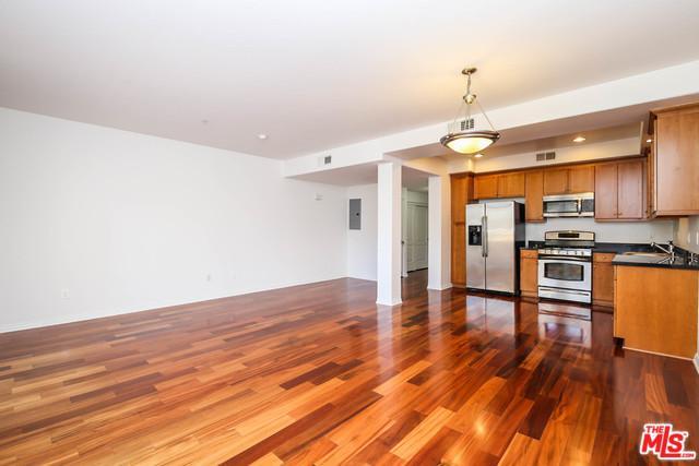 360 W Avenue 26 #111, Los Angeles (City), CA 90031 (MLS #19430636) :: Hacienda Group Inc