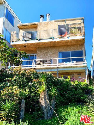 6649 Vista Del Mar, Playa Del Rey, CA 90293 (MLS #19431106) :: Hacienda Group Inc