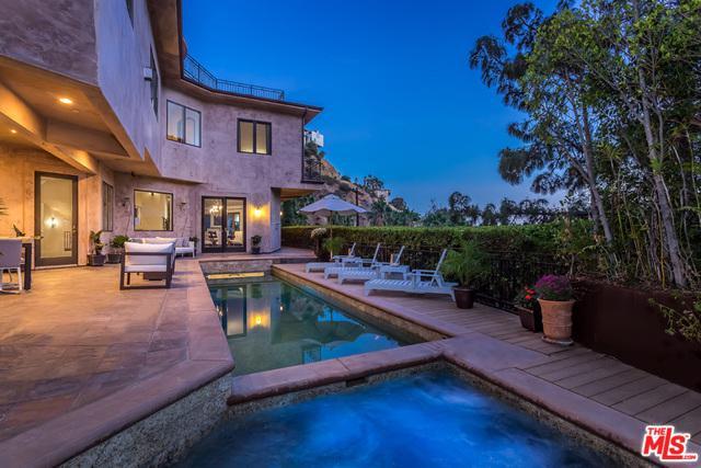 6457 Deep Dell Place, Los Angeles (City), CA 90068 (MLS #19431828) :: Hacienda Group Inc