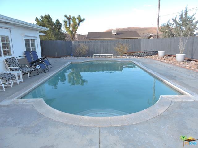 6537 Hanford Avenue, Yucca Valley, CA 92284 (MLS #19435758PS) :: Hacienda Group Inc