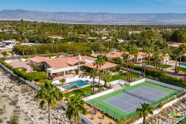 555 W Vista Chino, Palm Springs, CA 92262 (MLS #19436558PS) :: The John Jay Group - Bennion Deville Homes
