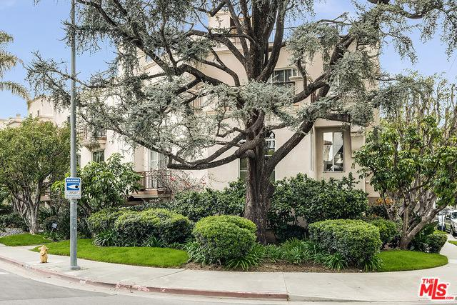 10437 Moorpark Street, Toluca Lake, CA 91602 (MLS #19437858) :: Deirdre Coit and Associates