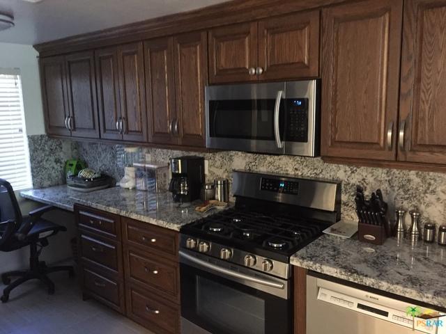 2345 S Cherokee Way #140, Palm Springs, CA 92264 (MLS #19438080PS) :: Brad Schmett Real Estate Group