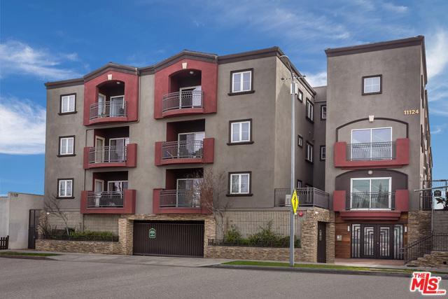 11124 Burbank #312, North Hollywood, CA 91601 (MLS #19439220) :: Deirdre Coit and Associates