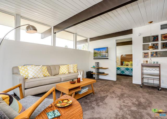 1111 E Palm Canyon Drive #206, Palm Springs, CA 92264 (MLS #19439962PS) :: Deirdre Coit and Associates