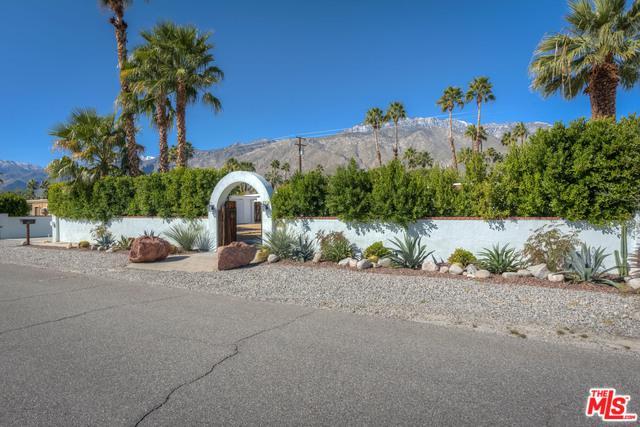 1179 N Calle Rolph, Palm Springs, CA 92262 (MLS #19441034) :: Brad Schmett Real Estate Group