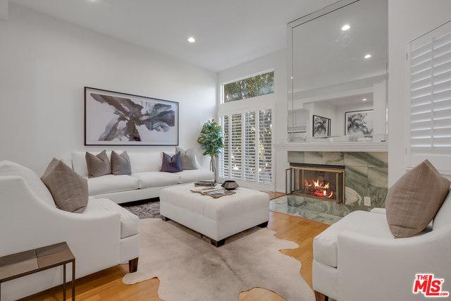 18730 Hatteras Street #46, Tarzana, CA 91356 (MLS #19441180) :: Deirdre Coit and Associates