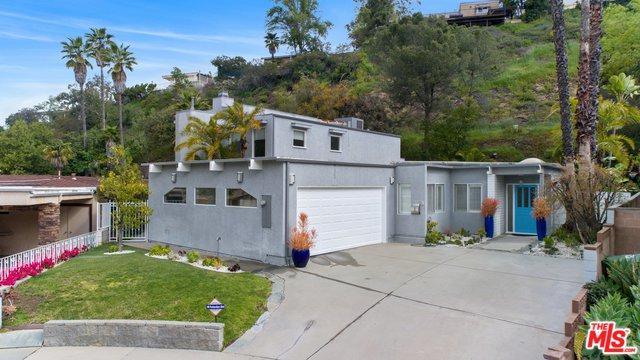 3231 Dona Raquel Place, Studio City, CA 91604 (MLS #19441272) :: Deirdre Coit and Associates