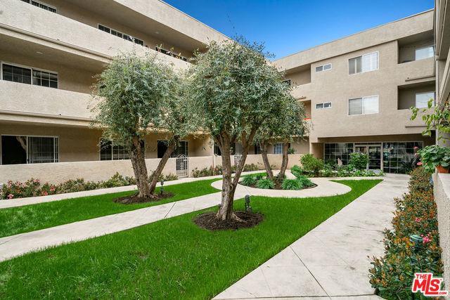 4647 Willis Avenue #308, Sherman Oaks, CA 91403 (MLS #19441290) :: Hacienda Group Inc