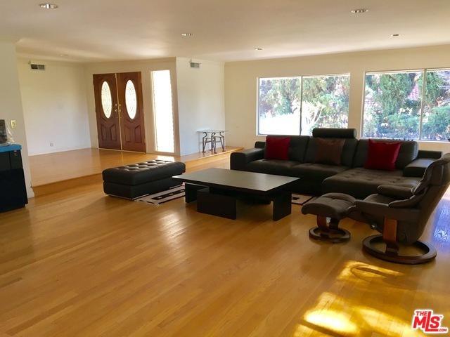 2109 N Hobart, Los Angeles (City), CA 90027 (MLS #19442348) :: Deirdre Coit and Associates