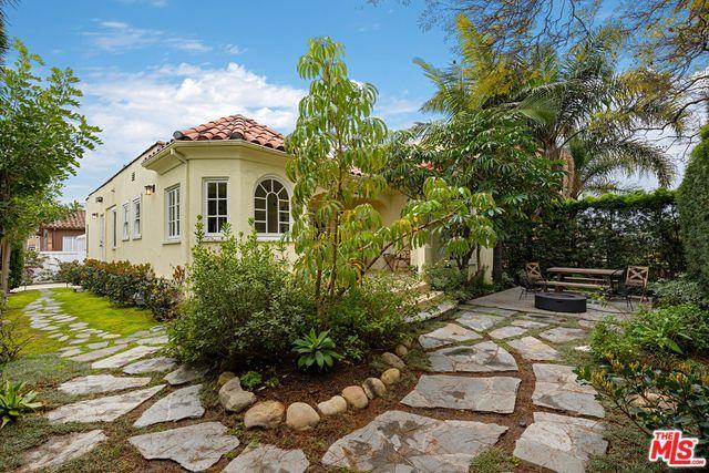 1302 S Cloverdale Avenue, Los Angeles (City), CA 90019 (MLS #19443280) :: Deirdre Coit and Associates