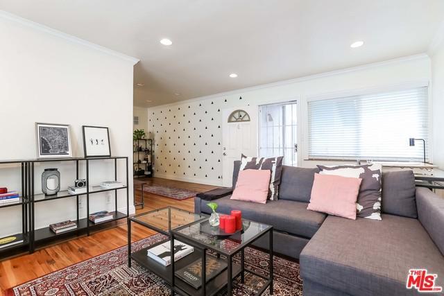 2915 St George Street #6, Los Angeles (City), CA 90027 (MLS #19444326) :: Deirdre Coit and Associates