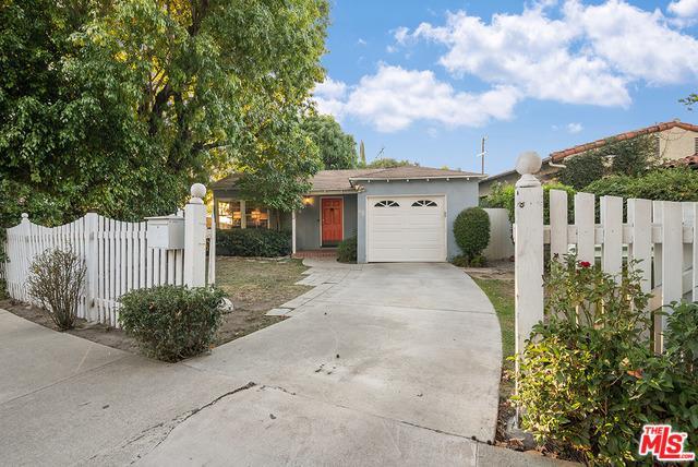 4221 Greenbush Avenue, Sherman Oaks, CA 91423 (MLS #19444646) :: Hacienda Group Inc