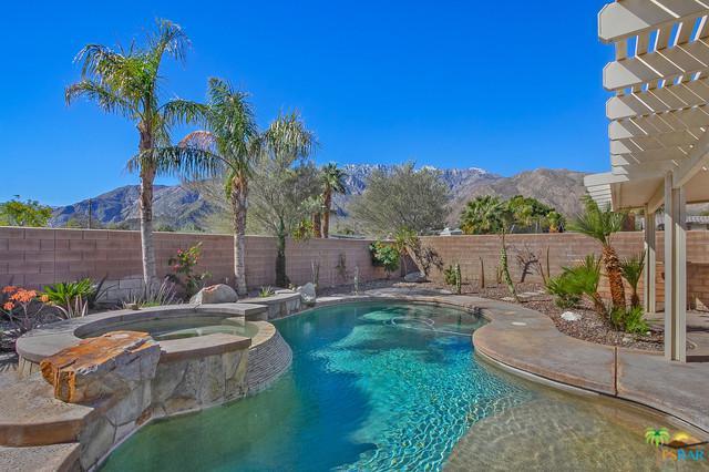 719 Ventana Ridge, Palm Springs, CA 92262 (MLS #19444824PS) :: Brad Schmett Real Estate Group