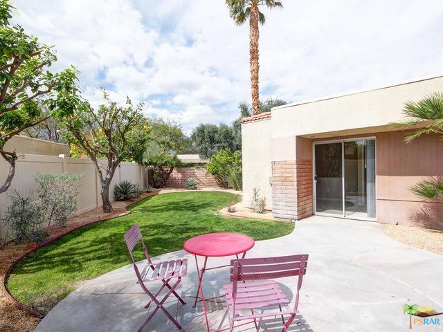 1639 N Sunflower Court, Palm Springs, CA 92262 (MLS #19445186PS) :: Brad Schmett Real Estate Group
