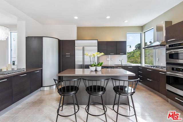 12911 Bluff Creek Drive, Playa Vista, CA 90094 (MLS #19445768) :: Deirdre Coit and Associates