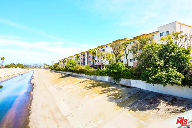 5000 S Centinela Avenue #206, Los Angeles (City), CA 90066 (MLS #19446104) :: Deirdre Coit and Associates