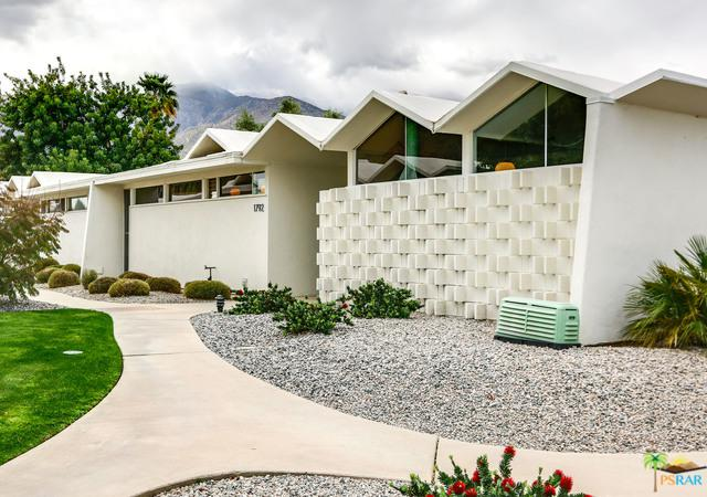 1792 S Araby Drive, Palm Springs, CA 92264 (MLS #19446134PS) :: Brad Schmett Real Estate Group