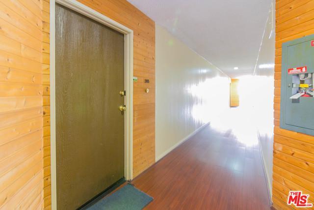 300 S Reno Street #203, Los Angeles (City), CA 90057 (MLS #19446148) :: Deirdre Coit and Associates