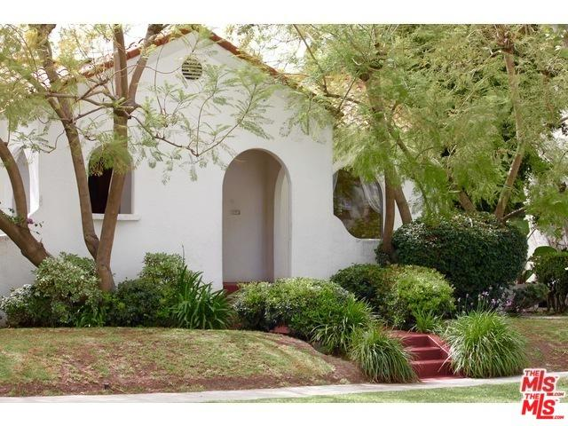 221 N Almont Drive, Beverly Hills, CA 90211 (MLS #19447388) :: Deirdre Coit and Associates